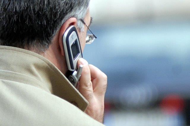 cercando il cellulare - Cercando il cellulare