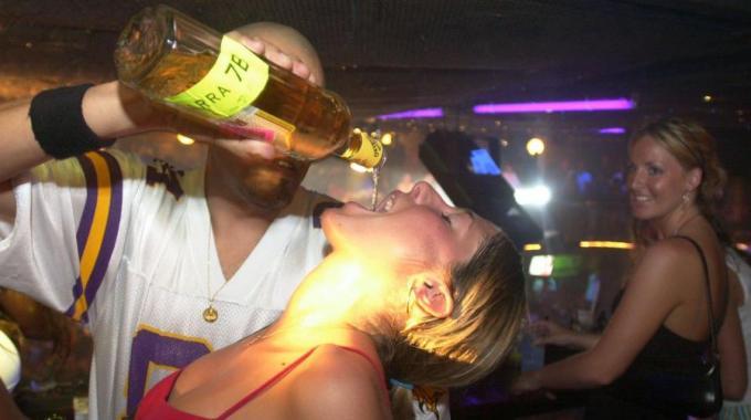 compleanno alcolico - Compleanno alcolico