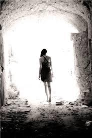 image luce in fondo al tunnel - Una vita interiore difficile e segreta