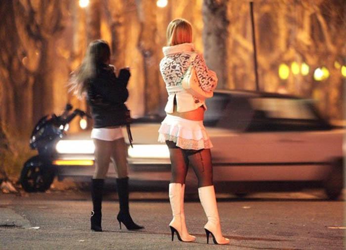 sesso a pagamento - Solo con prostitute